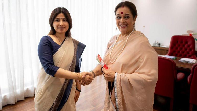 Congress leader Shatrughan Sinha's wife Poonam Sinha joins SP, may contest from Lucknow