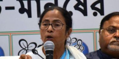 Mamata decides not to attend PM's swearing-in, slams BJP for politicising