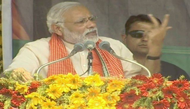 Mindful of thrashing, SP-BSP at one another's throats: PM Modi in Mirzapur