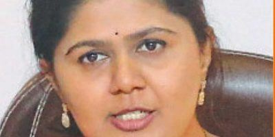 Pankaja Munde removes mention of BJP from Twitter bio: